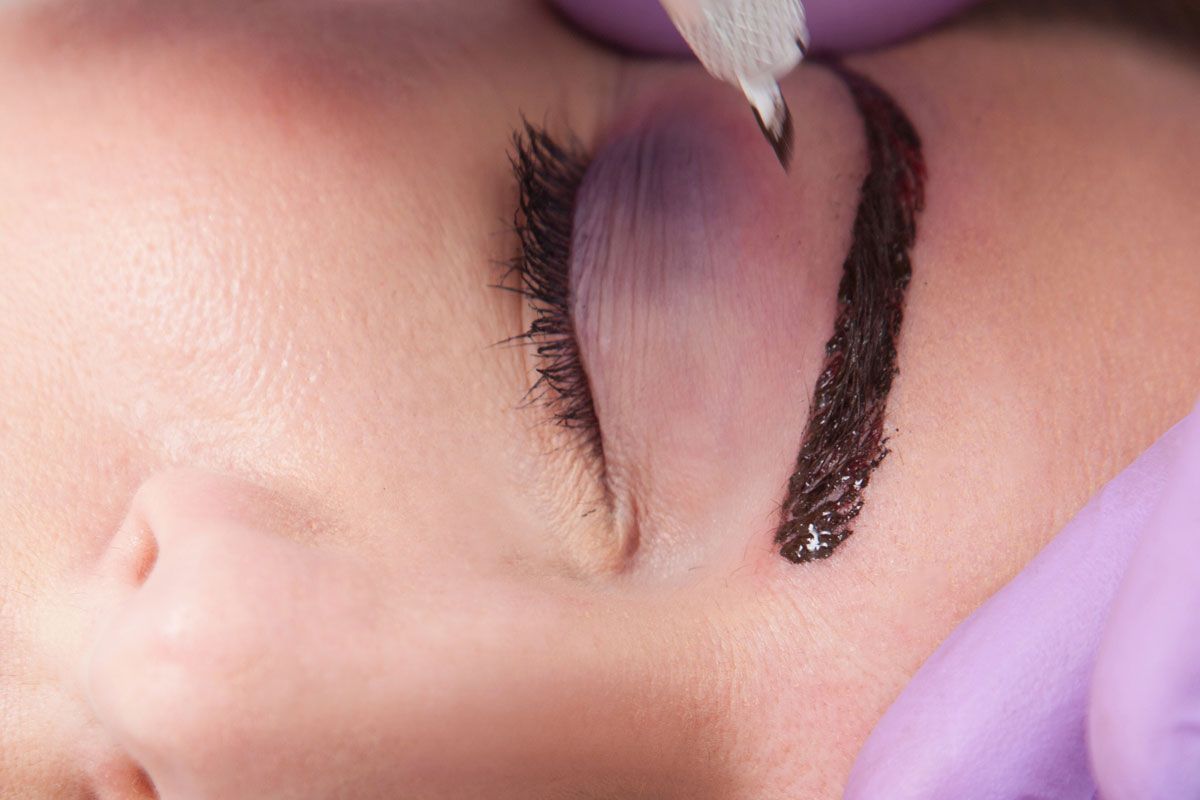 Microblading Behandlung Augenbraue